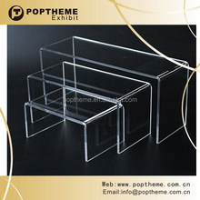 Transparent acrylic wallet display stand