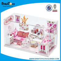 2015 Christmas gift Beartiful princess toy wooden doll house with light
