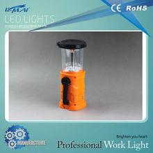 CE & ROHS Built-in 5pcs 8 super-bright LEDs Hand crank dynamo lantern with solar