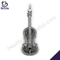 Excellent guitar shape silver pendant charm with black stone