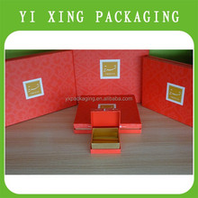 2015 YiXing newest-fashion design high quality metallic cardpaper chocolate packaging boxes with hot stamping logo