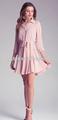 Glamour vestidos com uma esvoaçante um- saia de linha, cintura- sculpting auto- empate e casual- cool mangas arregaçadas