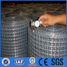 1/4'0.7mm electro galvanized welded wire mesh for chickens,rabbits and other small animals pens