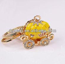 Hot sale halloween pumpkin wagon keychain custom metal keychain