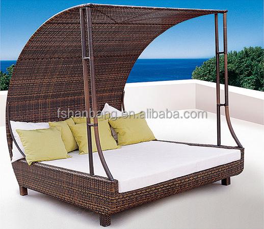 barcelone ext rieur en osier m ridienne ronde avec auvent. Black Bedroom Furniture Sets. Home Design Ideas