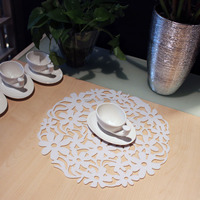 Top Quality Wholesale Price 30x30cm Colorful Modern Round Laser Cut Flower Felt Placemats Kitchen Dinner Table Mats 8 Colors