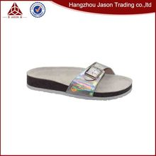 Wholesale customized good quality slippers beach