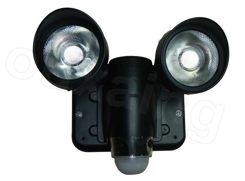 720p waterproof wifi outdoor light hidden camera zr720 with 50mp 879306926261g 879306935747g aloadofball Image collections