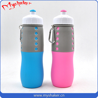 No smell silicone material folding water bottle with carabiner