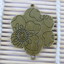 Yiwu Wholesale Flower Design Zinc Alloy Jewelry Connectors 37*48mm