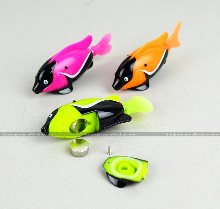 Wholesale bath toy floating swimming rc toy robotic fish for Robot fish toy