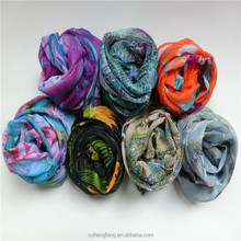 2015 Hot new products multi colored 100% polyester printed chiffon hijab scarf women
