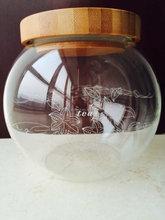 Vasilha de vidro / frasco com tampa de madeira