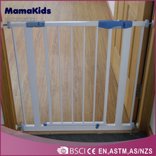 Unique new design indoor and garden use baby safety gate pet safety gate