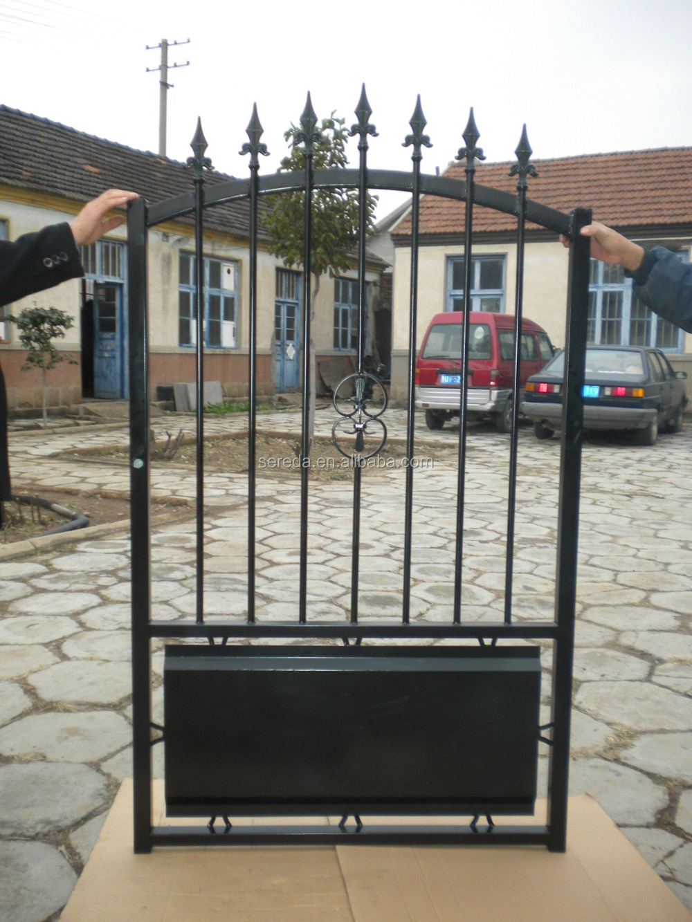 Para o mercado de fran a preto pintura bonita do port o do - Puertas de hierro para jardin ...