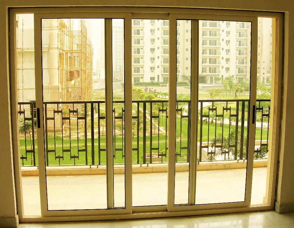 Двери слайдеры на балкон