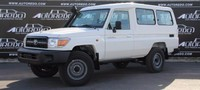 Landcruiser HZJ 78 Troop Carrier (13 Seater)