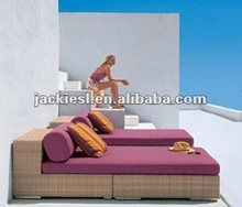 F70 Patio furniture bed