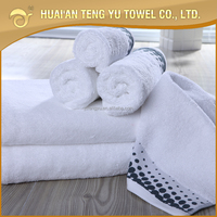 comfortable soft customized brand hotel face towel with border design