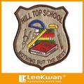 Bordado College school patch bordado patch de ferro em uniformes escolares técnica