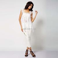 wholesale OEM cutout design sleeveless women clothing white t shirts bottoming shirts for girls
