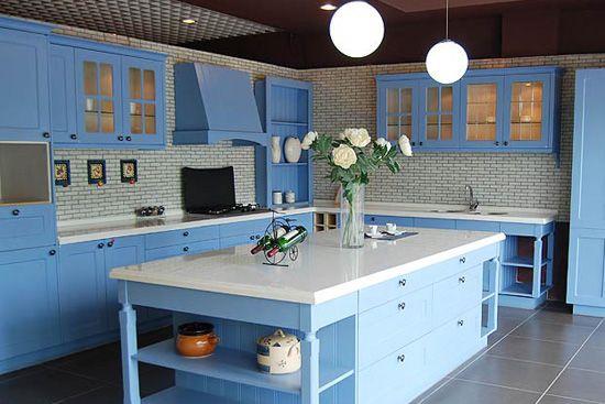 Landelijk type hemel blauwe verf klassieke keuken kast keuken ...