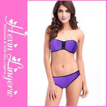 moda púrpura desnudo de la mujer traje de baño de fotos