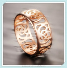 Stainless steel rose gold pattern hollow-out fashion yiwu jewelry factory ring for lady