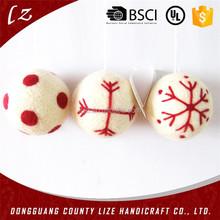 2015 new hotsale fashion handmade cheap wholesale hanging tree decor crafts felt christmas ball