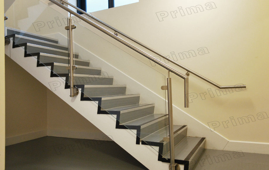 Aluminum U Channel Glass Railing With Stainless Steel