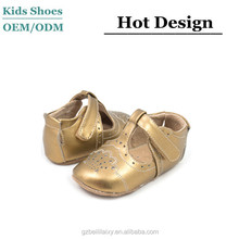 Manufacturer in China newest design customized gold soft leather handmade baby shoes