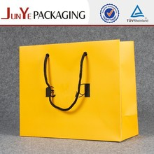 wholesale eco friendly recycle garment custom printed retail shopping paper gift bags