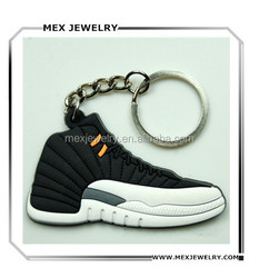 Cheap wholesale customed men's pvc running shoe keychain