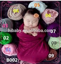 b002 bebé recién nacido envuelto en un paño puntales de la fotografía de fotos de cumpleaños