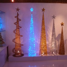 New product outdoor wire lighted christmas tree