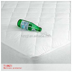 white waterproof hospital mattress cover