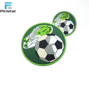 Atacado De Borracha De Futebol Logotipo Gancho e Loop Patch de Pvc Personalizado