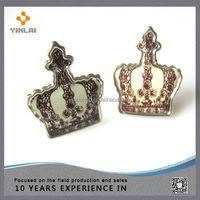 Metal crown shaped brads