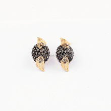 Small and Exquisite Fashion black crystal stud earring gold Alloy and Crystal stud Earrings in Stock