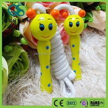 2015 hot wooden lovey animal handle jump rope