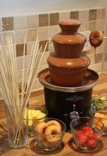 2015 Hot Fashion Mini Party Useful Machine Chocolate Fountain