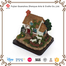 2015 hotselling resin fairy led house