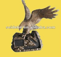 High quality customized resin Eagle figurines