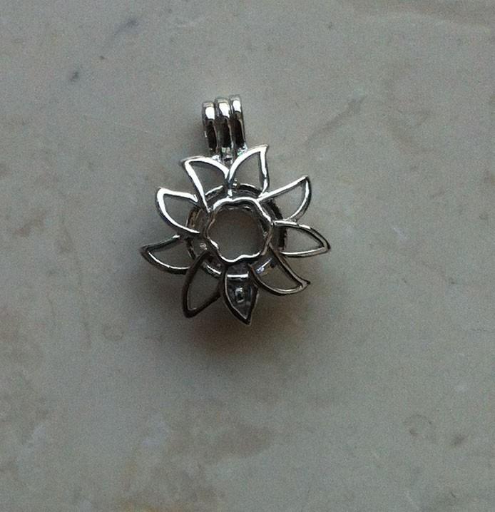 Edelweiss pendant.jpg