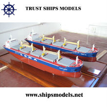 Modelo petrolero miniatura