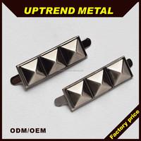 Connecting pyramid shape metal decorative shoe clip