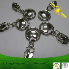 Nylon zipper head zipper slider and heart shape puller