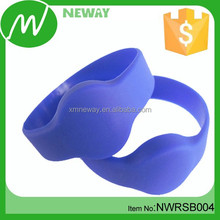 Waterproof Custom Chips Silicone RFID Wristband