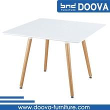 Mesa cuadrada con la base de contrato, al aire libre mesa cuadrada