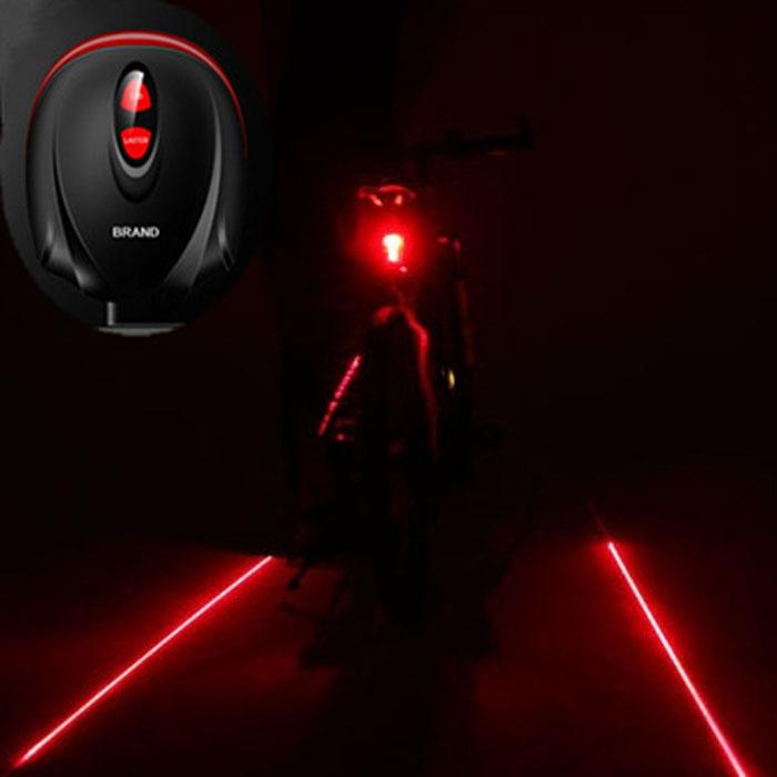 Лазерный проектор образует впереди и за велосипедистом специальное изображение на дороге, которое легко может увидеть водитель. С ним Вы не попадете в аварию.